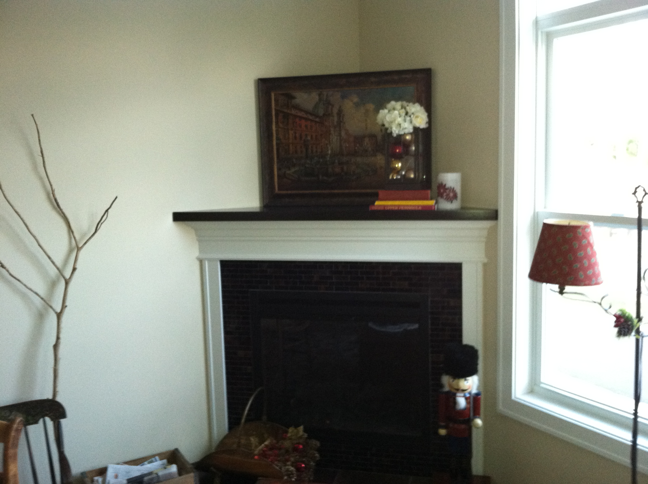 Standard corner gas fireplace.